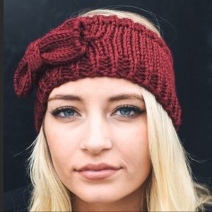 Burgundy Knitted Headband With Bow Detail